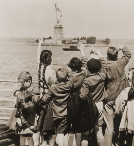 Immigrants - Jewish Refugee Children Wave at Statue of Liberty